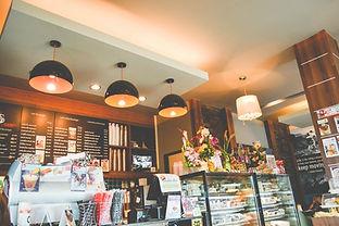 Remodelación e implementación en lima peru retail Oficinas y locales Diseño mobiliario en madera, melamine, acero