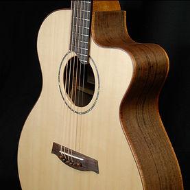medium jumbo cutaway guitar