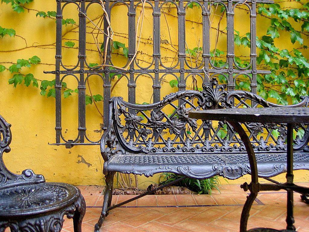 Mesas y sillas interiores y exteriores hierro forjado