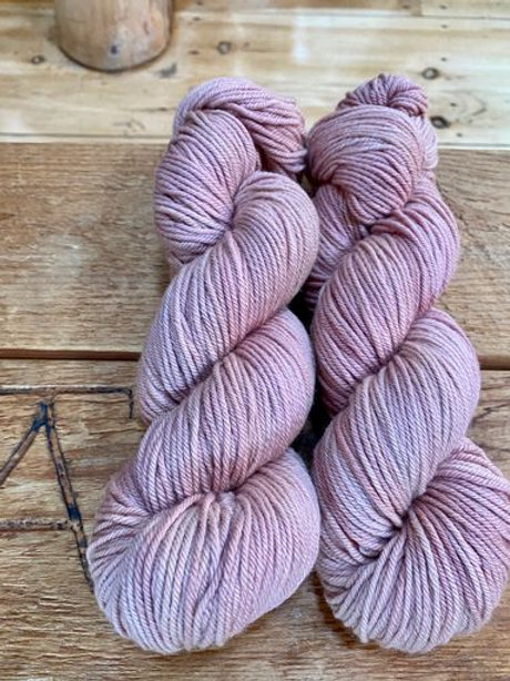 Worsted Yarn Antique Pink Tonal