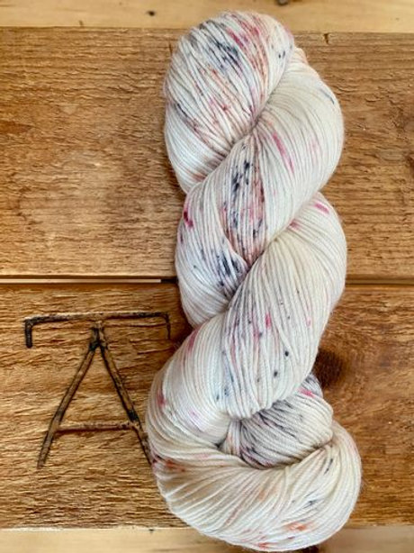 Fingering Yarn 2-Ply Sock Pink + Grey Speckles