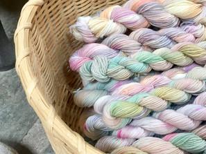 How to Dye Yarn the Simple Way