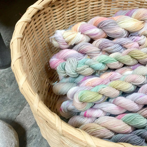 How to Dye Yarn the Simple Way