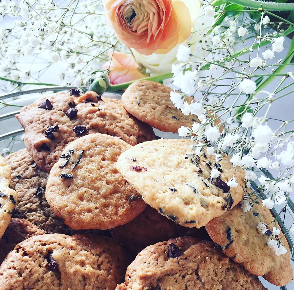 Biscuits sablés façon « cookies » au thé de rose