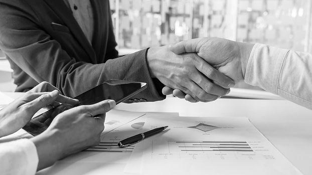business-handshake-of-two-men-demonstrat