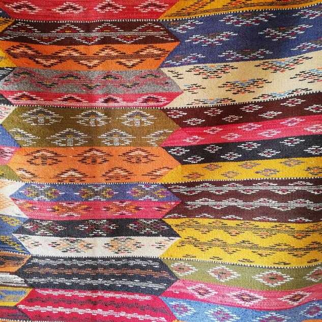 Teppiche aus Baumwolle und Schafswolle