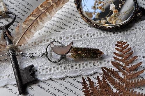 Lame Arthurienne - Pointe résine, mousse des bois, calcédoine lune facettée
