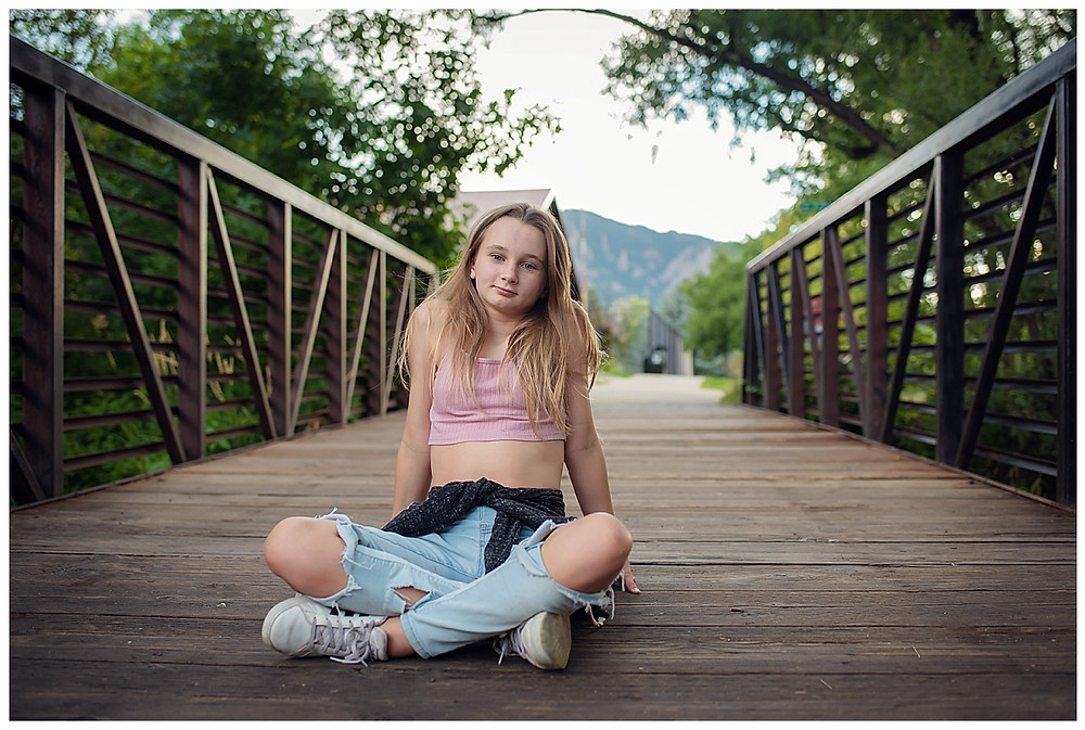 Tween photoshoot on bridge