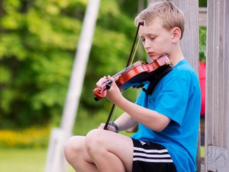 The Sad Violinist {Camden Family Photographer}