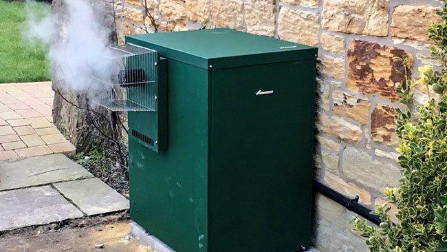 Oil boiler emitting co2