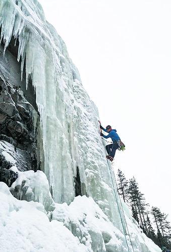 Jääkiipeily_Korouoma_Karva.jpg