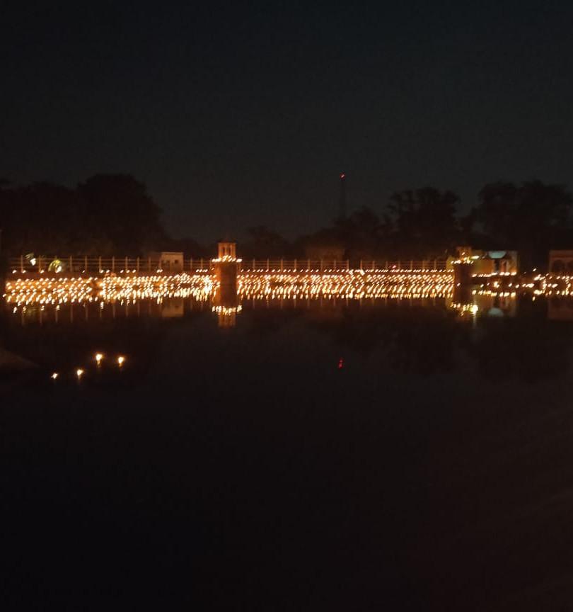 Chandra Sarovar Parasoli