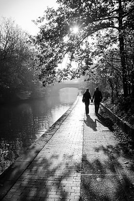 walk-4744181_1920.jpg