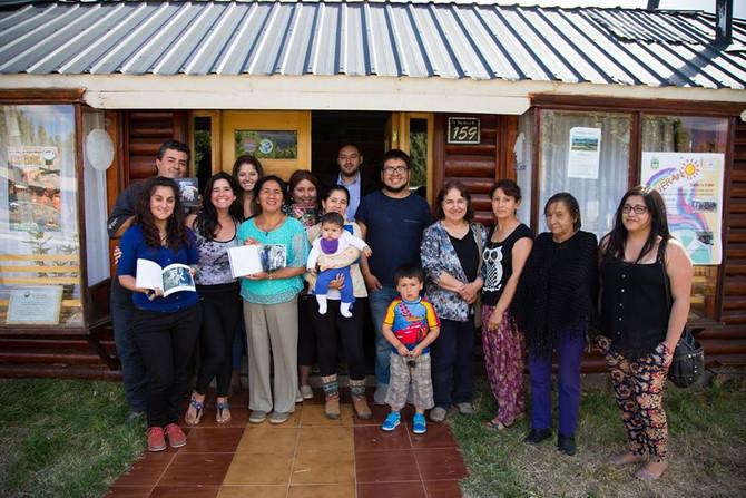 """Lanzamiento Libro """"Tejiendo fibras en la Patagonia"""" en Puerto Ibáñez."""