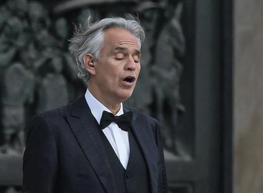 Andrea Bocelli cantó en la catedral de Milán