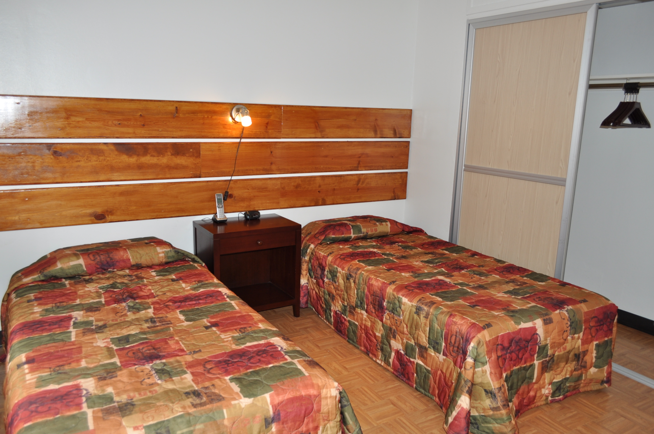 2 bedroom - 2 single beds