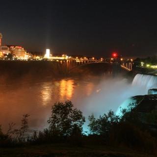 Niagra Falls by night Ariel Zukerman