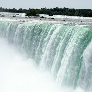 Niagra Falls by Ariel zukerman
