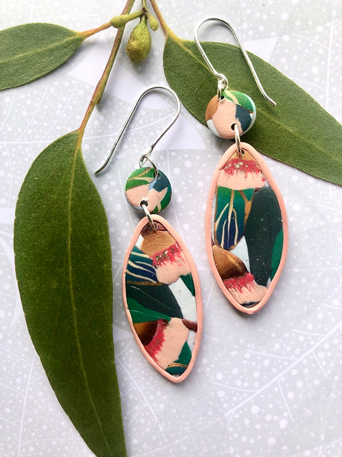 Gum nut flower earrings - pale pink