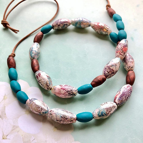 Crackle effect beaded necklace