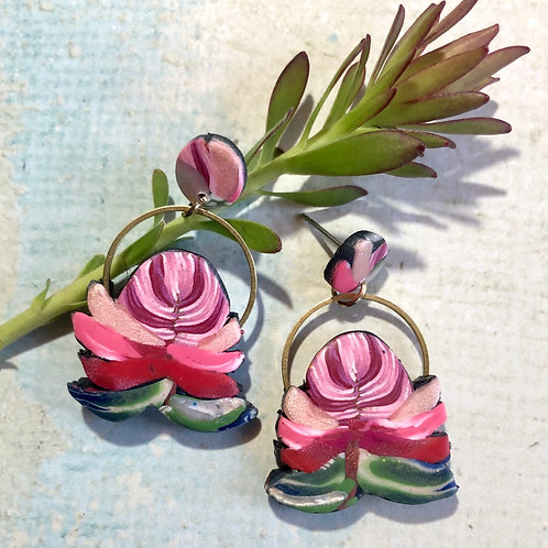 Pink proteas with gold accent earrings