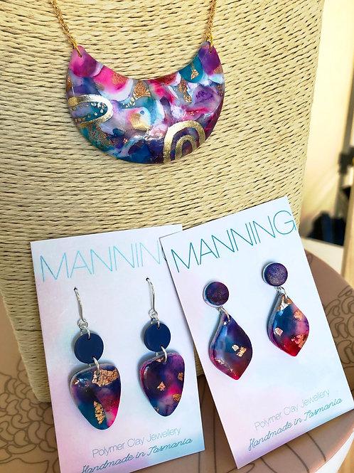 Multicoloured pendant necklace