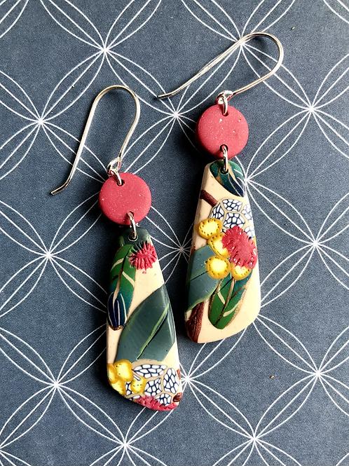 Rosy natives dangly earrings