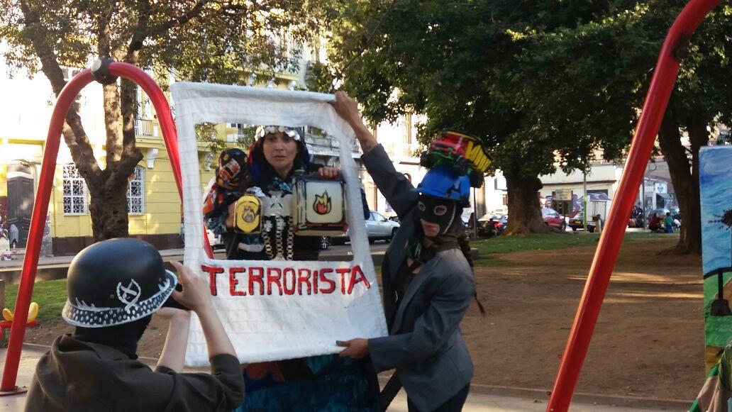 terrorista trenza.jpg