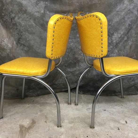 dinette chairs.jpg