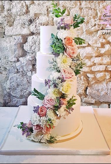 297_-_WEDDING_CAKE_FLOWERS__-_o_gourmand