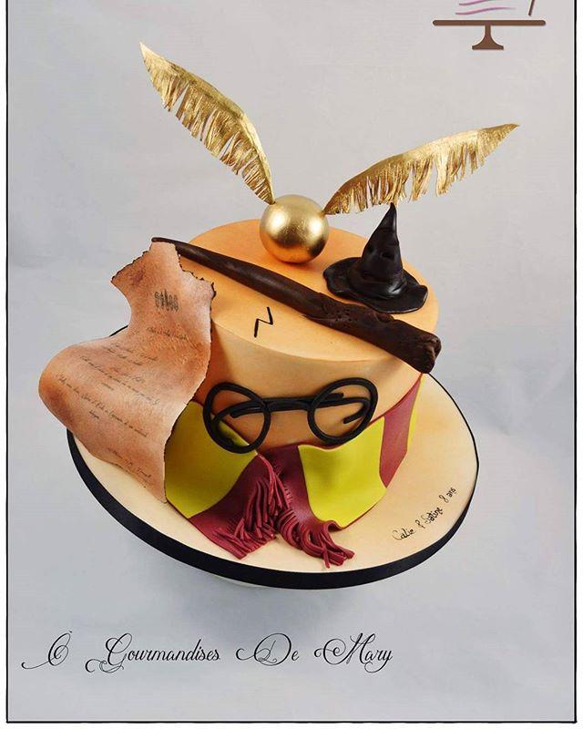Il y a quelques temps j'ai eu le plaisir de réaliser le gâteau d'anniversaire des jumelles Satine et