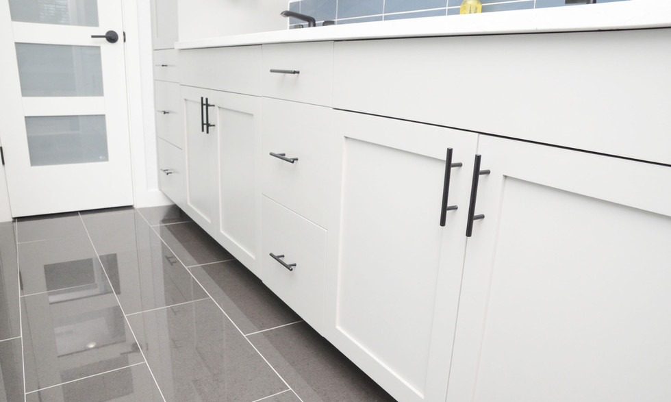 bathroom_cabinets_2.jpg