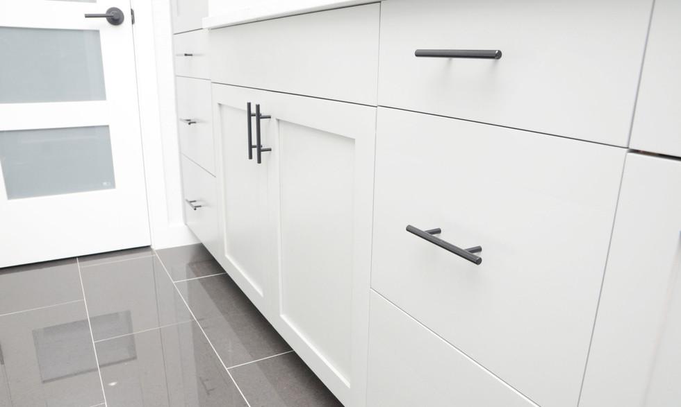 bathroom_cabinets.jpg