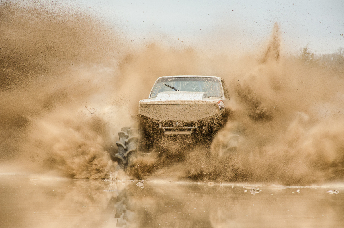 Mega Truck Race