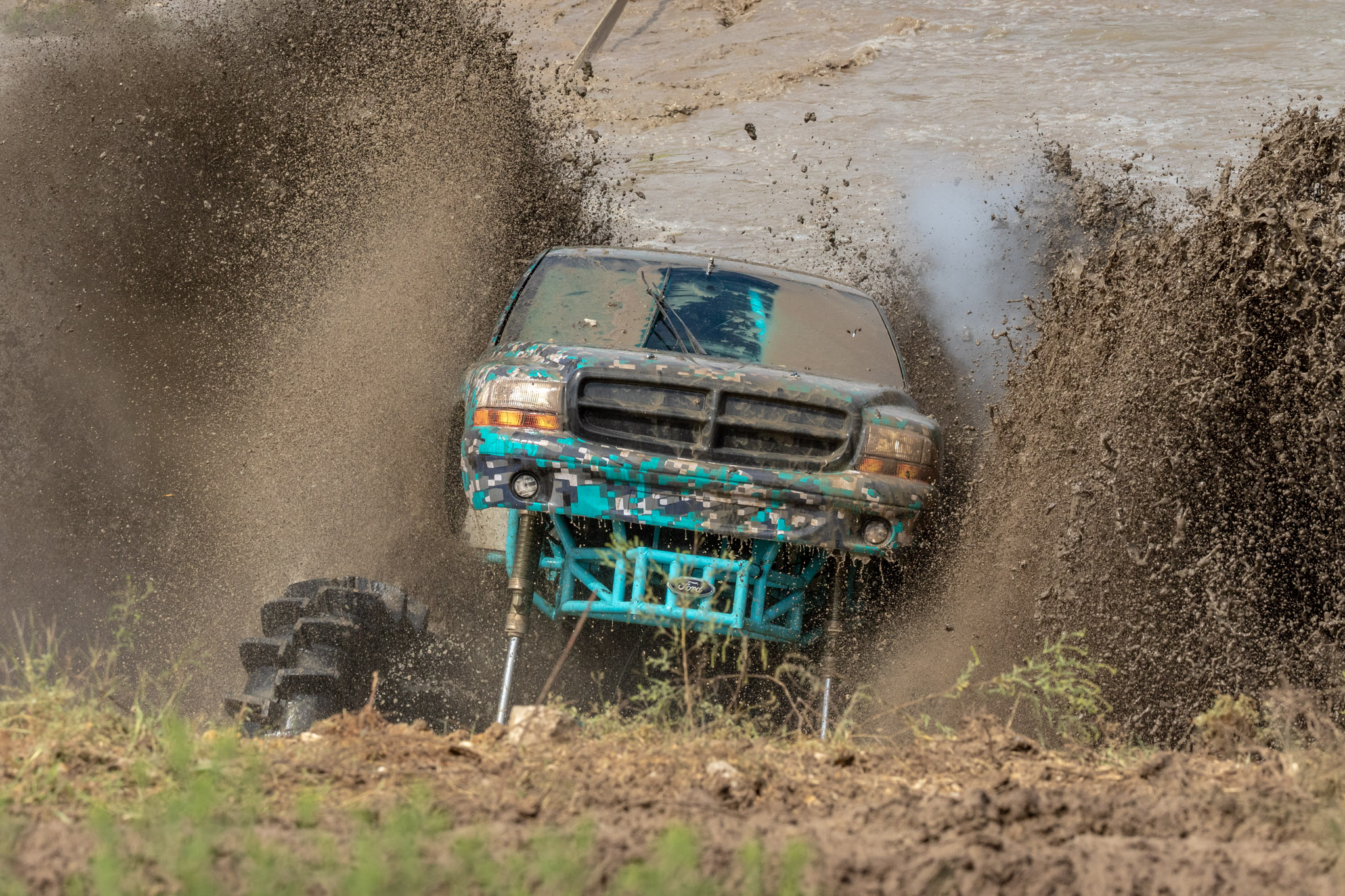 Rednecks with Paychecks mudding