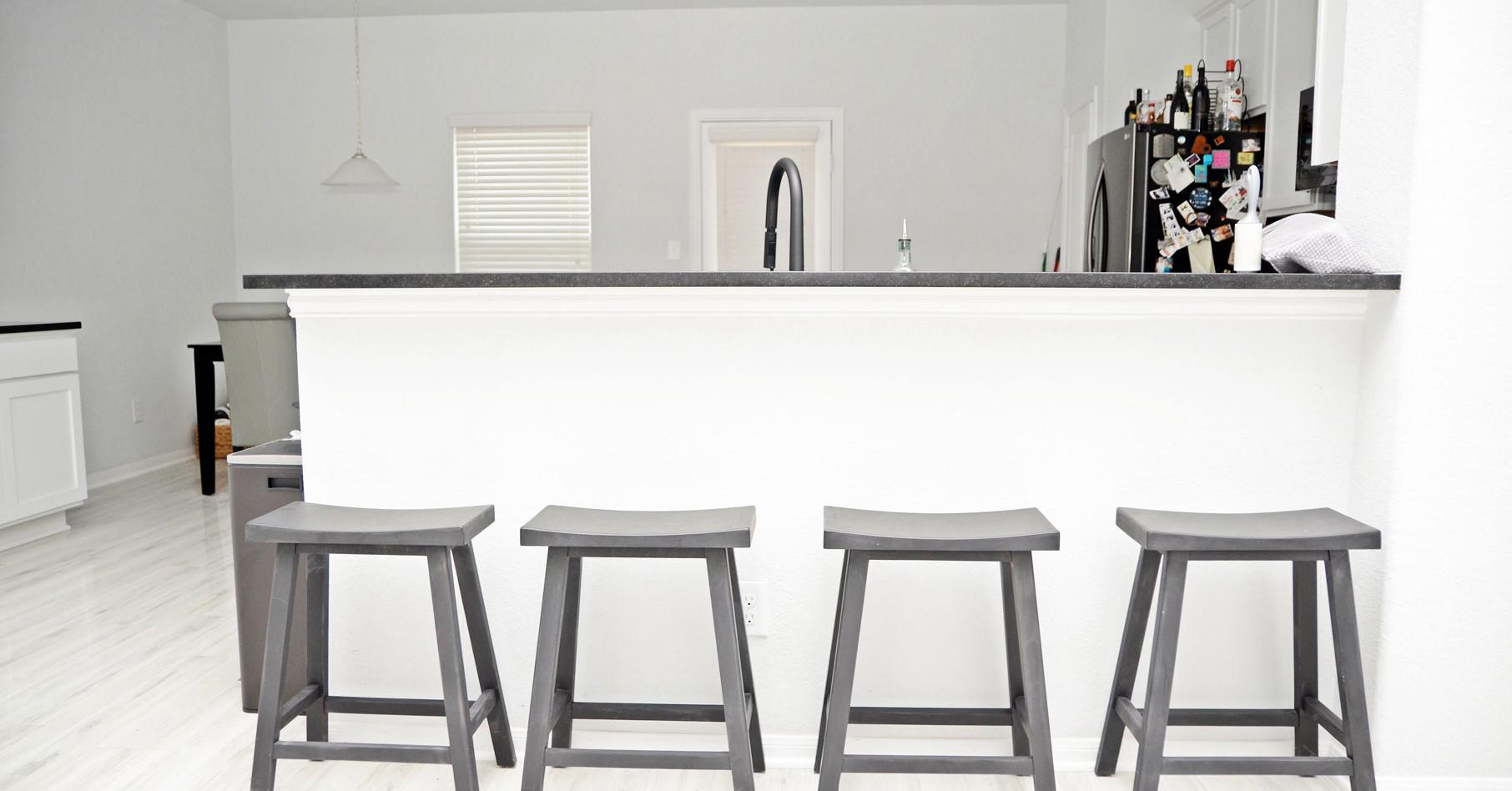 bar_seating.JPG