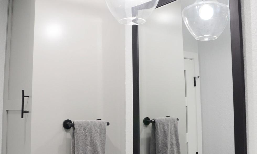 lighting_and_mirror.jpg
