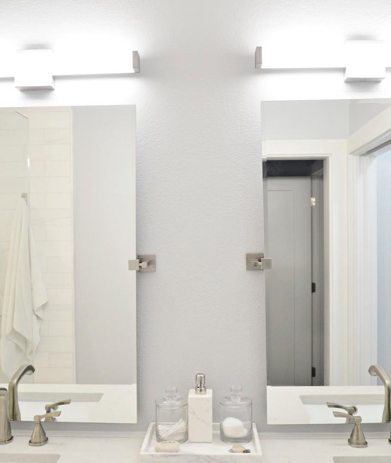 mirrors_and_lighting.JPG