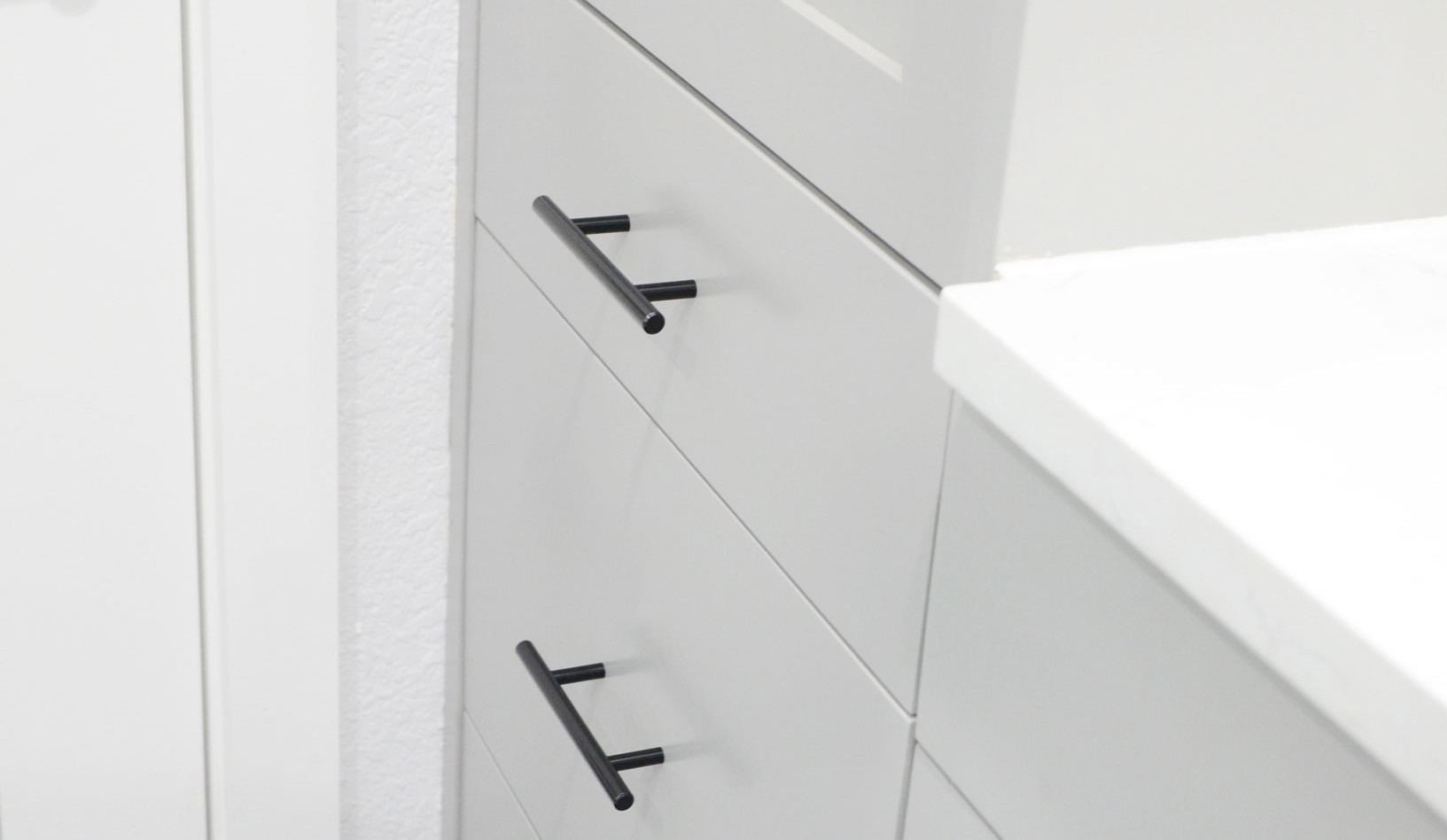 bathroom_drawers.jpg