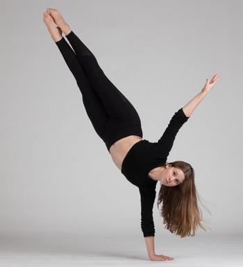 Sarah Toubes Handstand.jpg