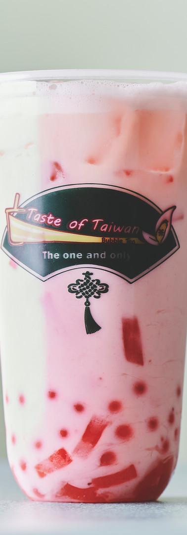 STrawberry milk tea.jpg