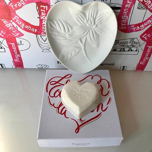Fragonard Мыло le coeur sur la main 60гр. и фарфоровая мыльница