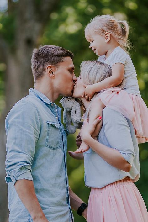 Perekond.jpg
