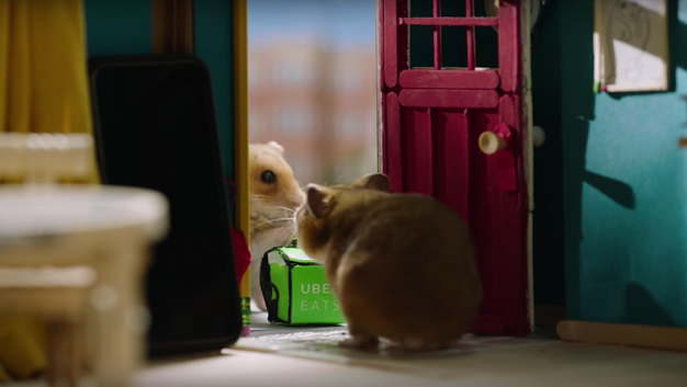 TINY HAMSTER ORDERS UBER EATS - commercial