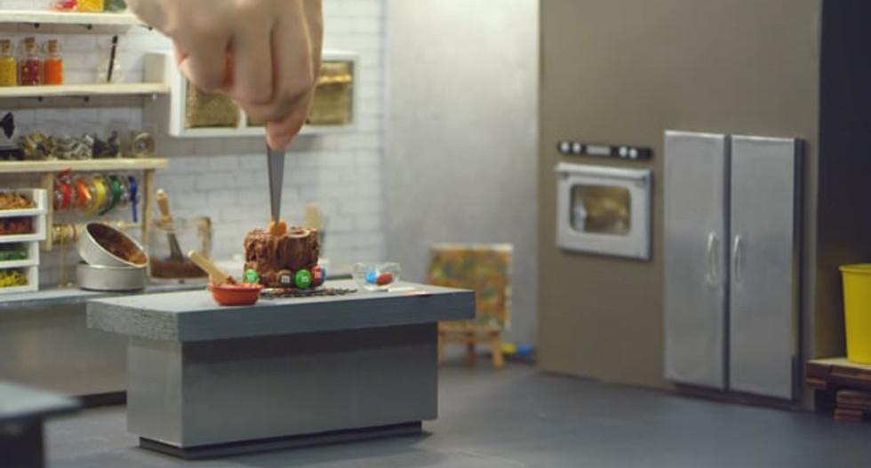 M&M's DIY Tiny Chocolate Cake