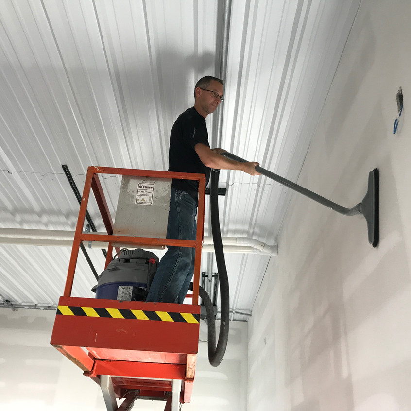 2017_10_06 Scott vacuuming walls