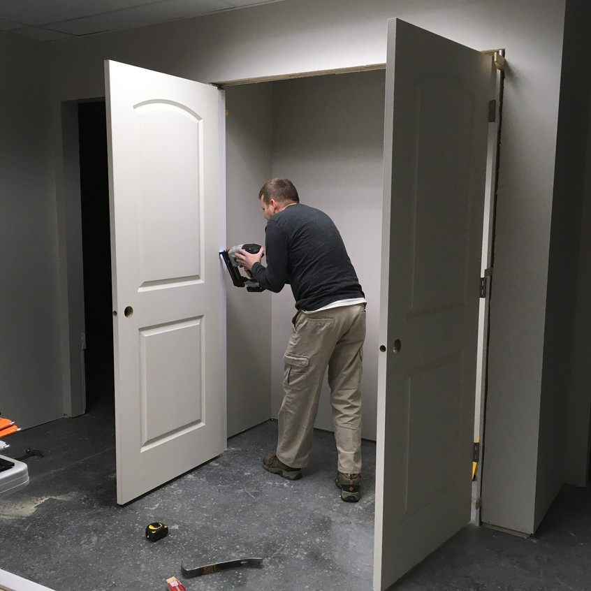 2017_11_30 Terry hanging double doors