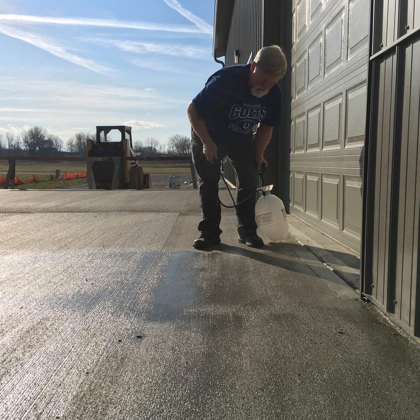 2017_12_02 Sealing the concrete