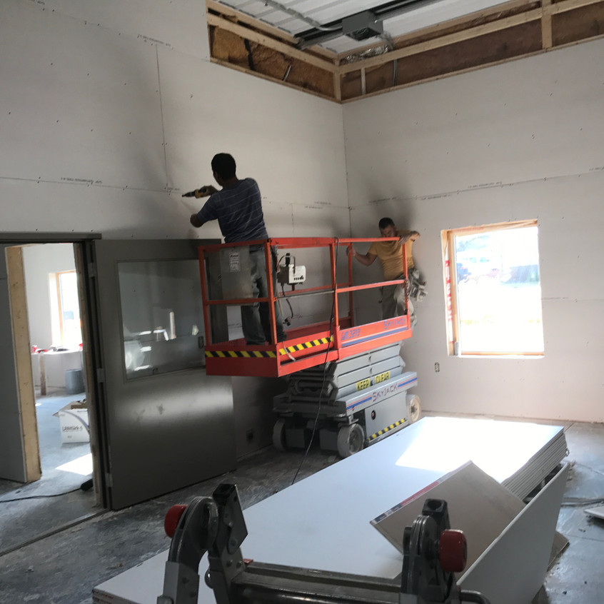 2017_08_28 Drywall hanging in shop