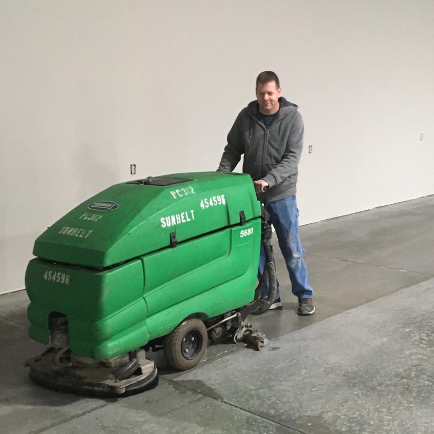 2017_12_02 Cleaning shop floor 3
